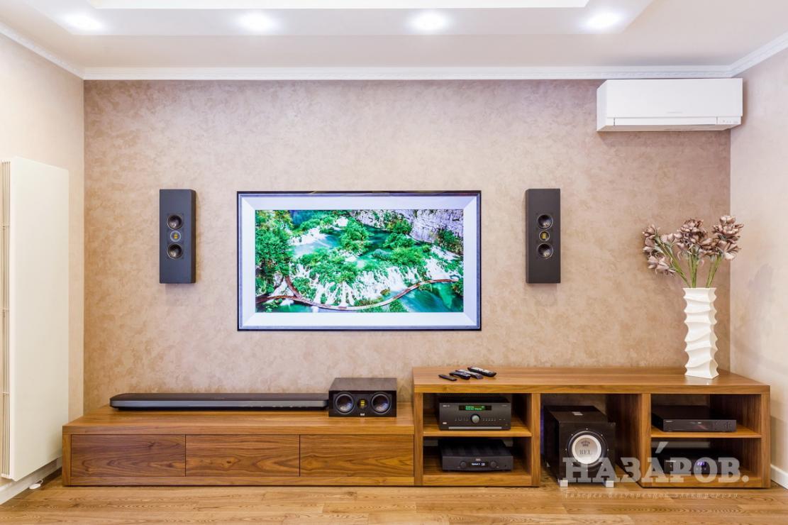 Домашний кинотеатр с телевизором-картиной