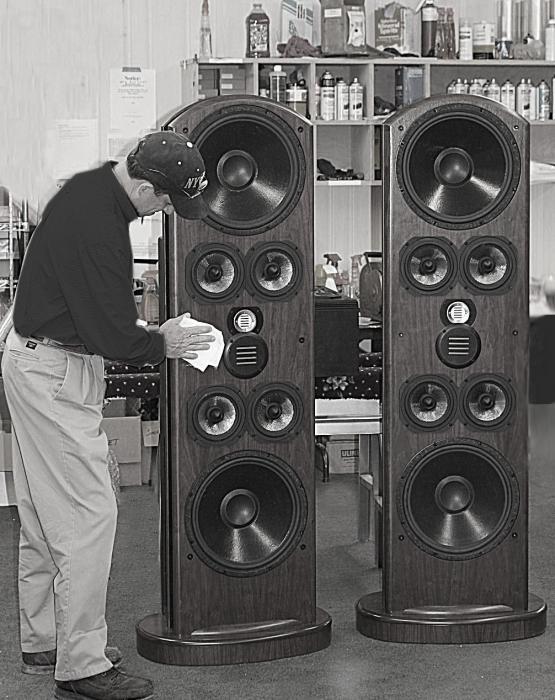 Напольная акустика Legacy Audio V medium oak