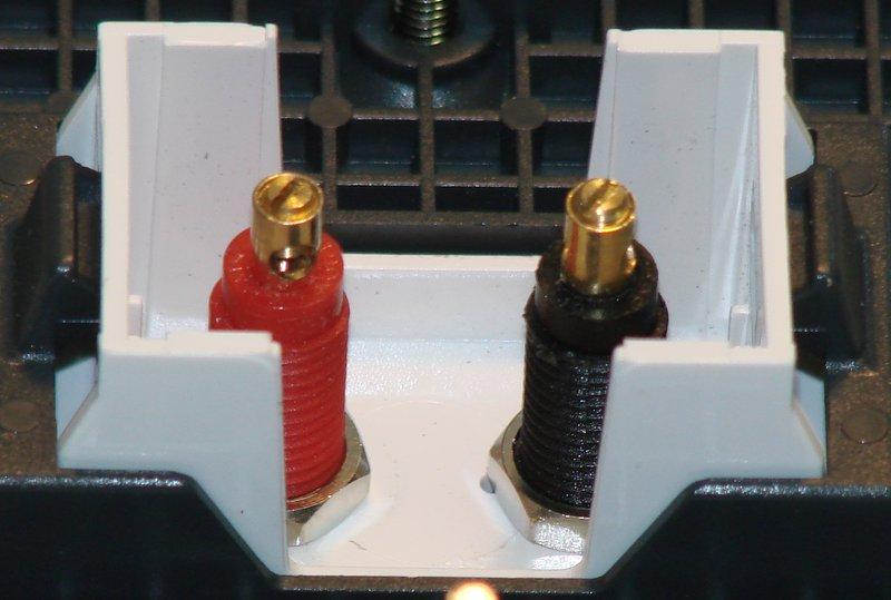 QED AVEQ Speaker Socket WM09